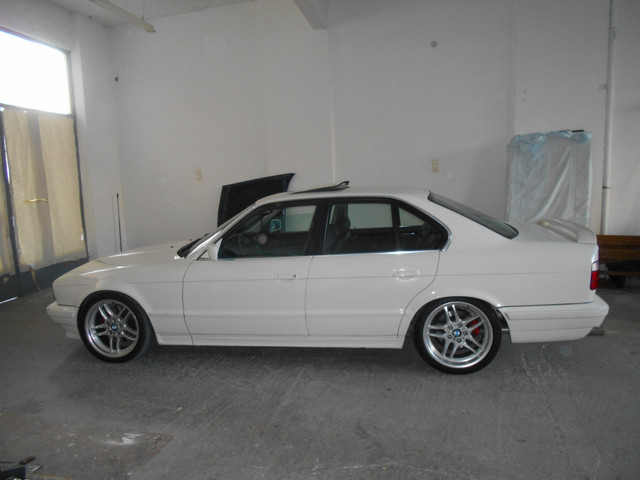 ///M5 E34 with a custom V8!